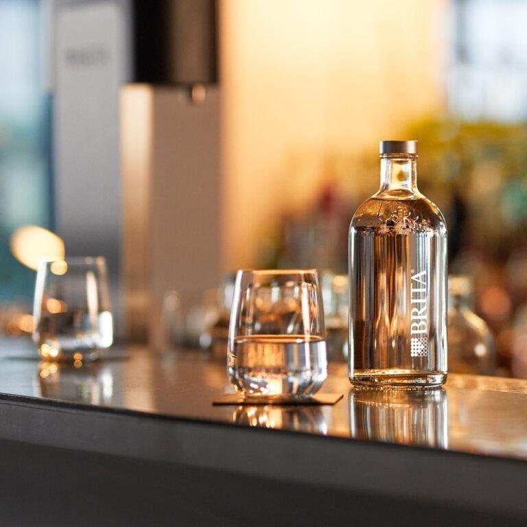 BRITA Wasserflasche mit Glas